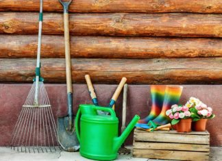 How to properly take care of your garden tools in the winter