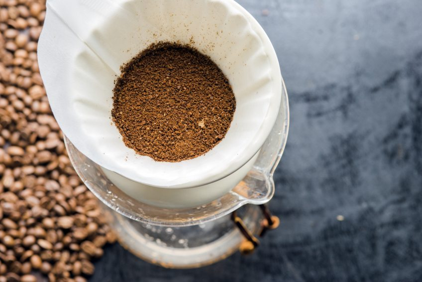 coffee grounds uses in garden