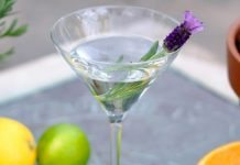 edible flowers cocktails